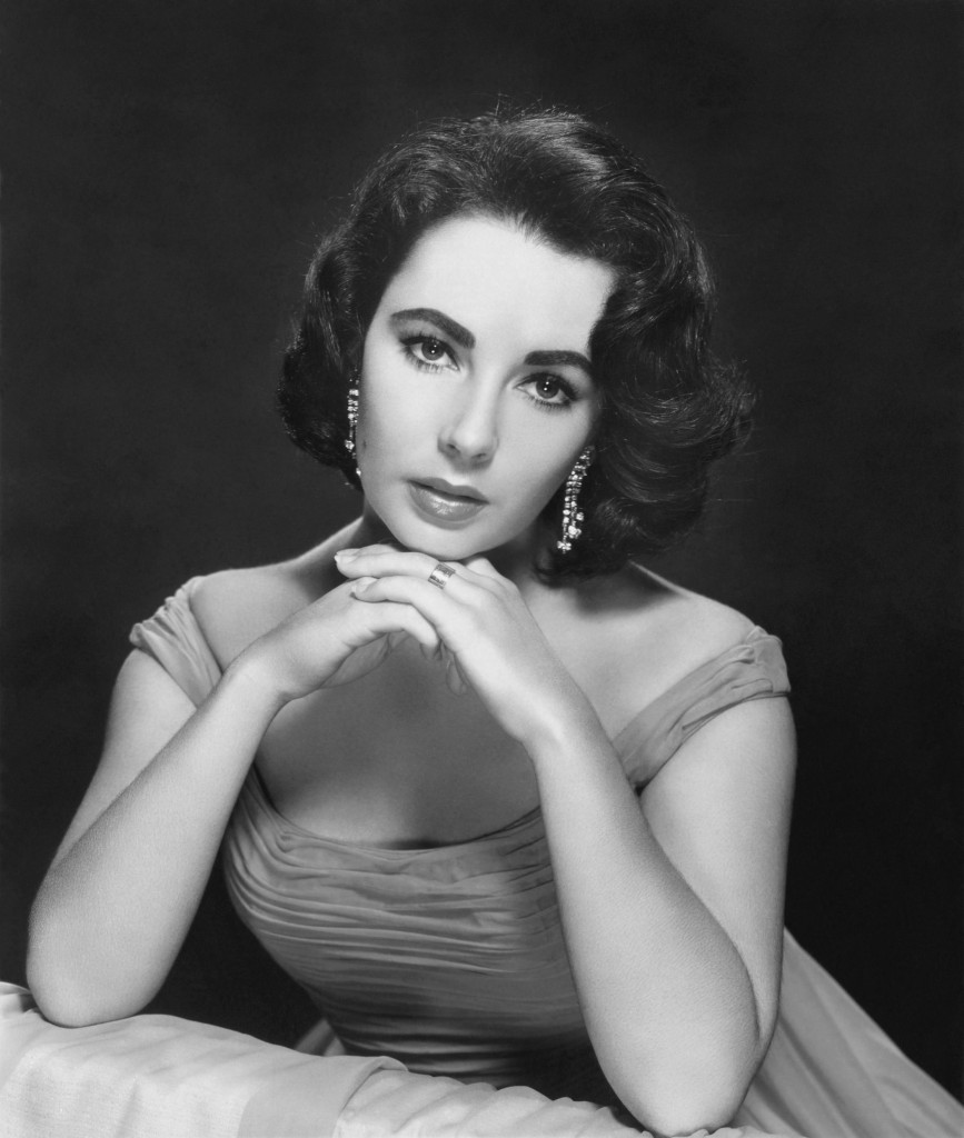 Publicity photo of Elizabeth Taylor. Scan from the Doctor Macro collection.
